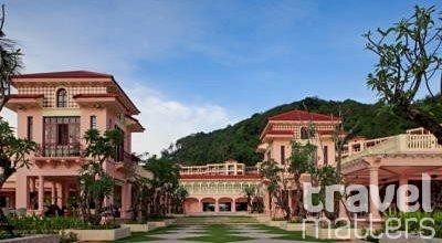 Oferte hotel Centara Grand Beach Resort Phuket